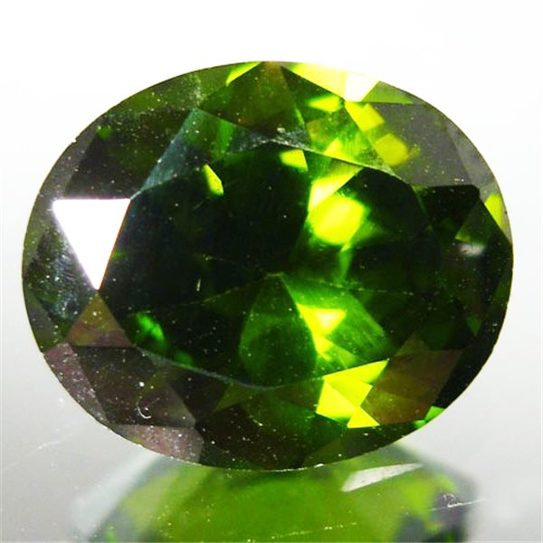 Cubic Zirconia - Peridot - Oval - 9x7mm - 1pc